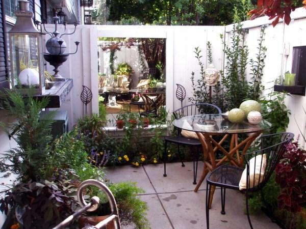 Красивые маленькие дворики