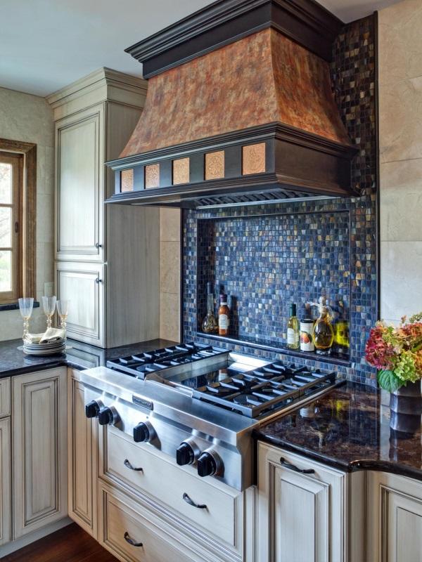 Кухонный фартук с мозаикой из плитки