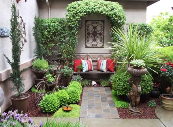 Как украсить двор частного дома фото недорого