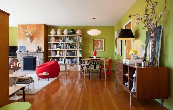Дизайн гостиной с зелеными стенами