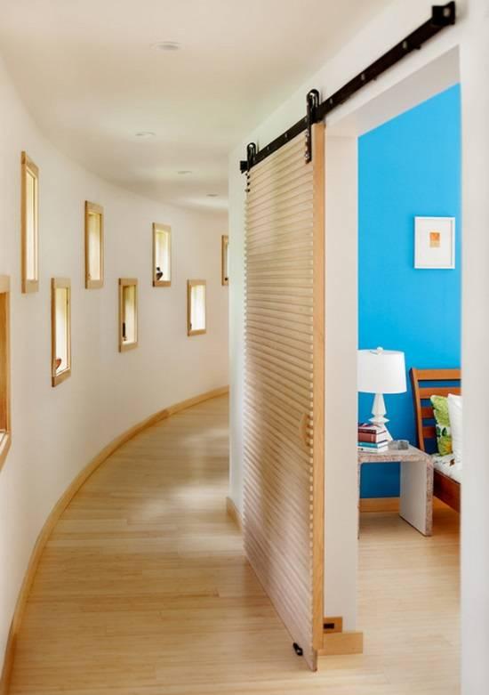Дизайн закругленного коридора с нишами в стенах