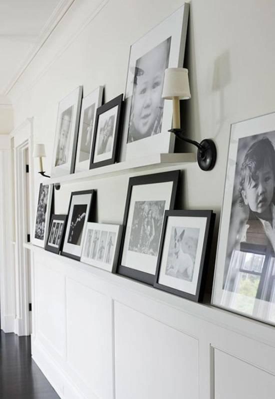 Черно-белые фотографии в дизайне коридора