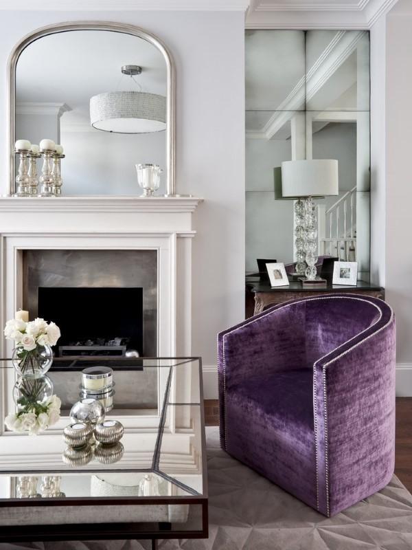 Гламурная гостиная с зеркальной мебелью