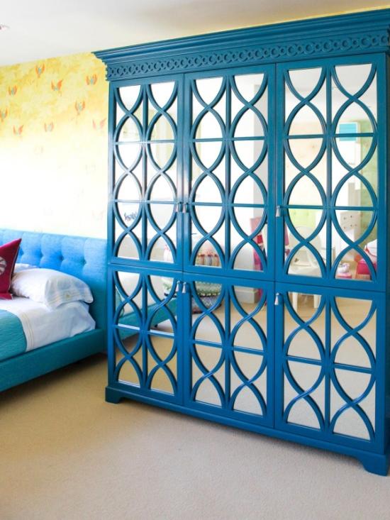 Гламурный шкаф с зеркалами для спальни