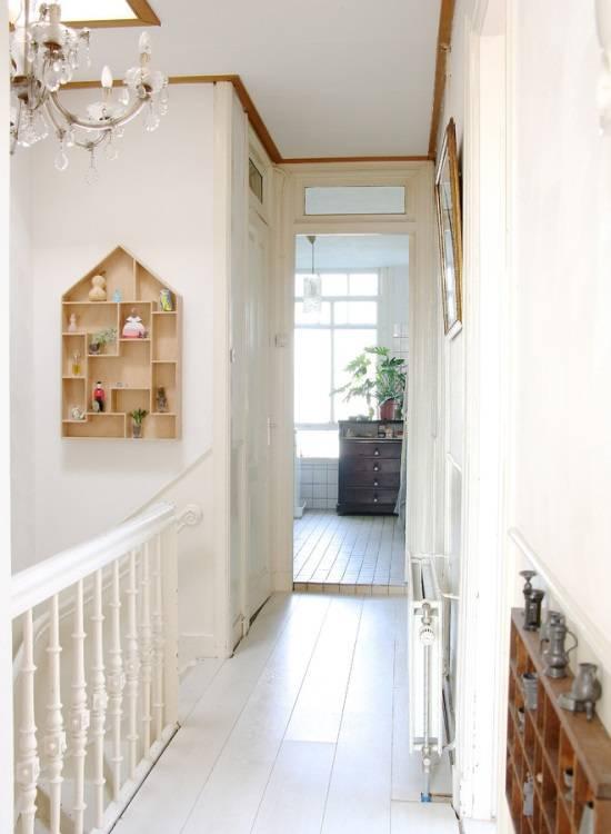 Оригинальная идея для украшения стен в коридоре