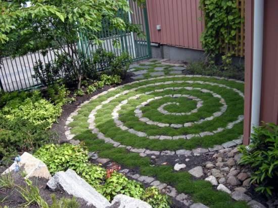 Идея для небольшого дворика