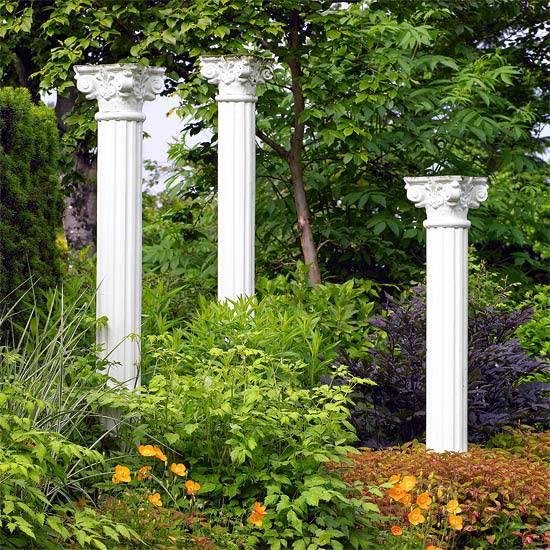 Колонны как украшение сада