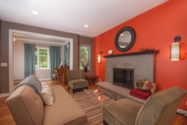 нас цветовое решение потолка и стен гостинной данном