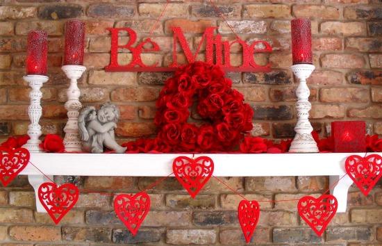 Красные украшения для дома ко Дню святого Валентина