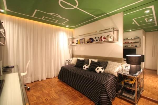 Креативный потолок в комнате подростка