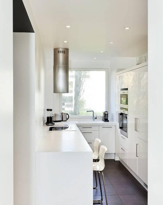 Барная стойка в роли стола на кухне