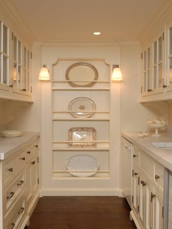Неглубокая декоративная кухня на кухне