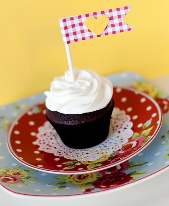 Пирожные как подарок на День святого Валентина
