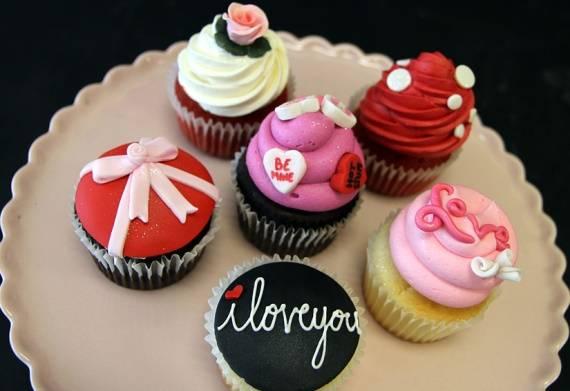 pirozhnye-ko-dnu-svyatogo-valentina
