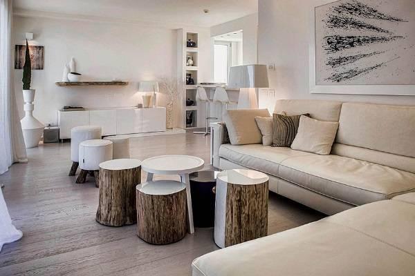 Пни в дизайне гостиной