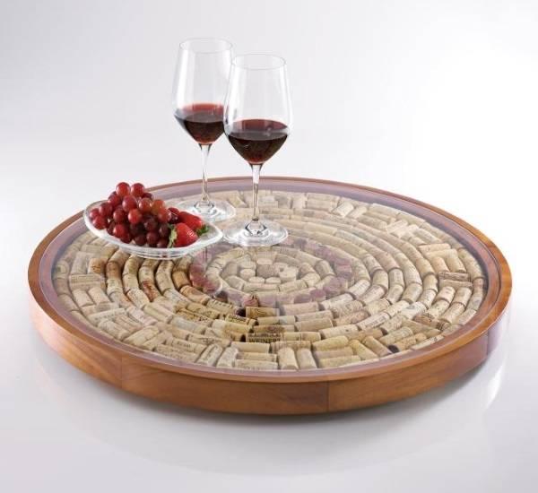 Поднос из винных пробок