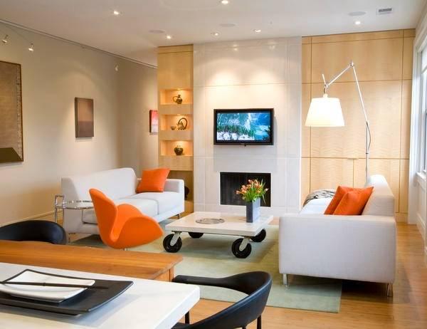 Встроенные светильники и подсветка ниш в гостиной