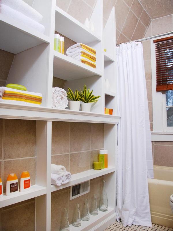 Высокие полки для ванной комнаты