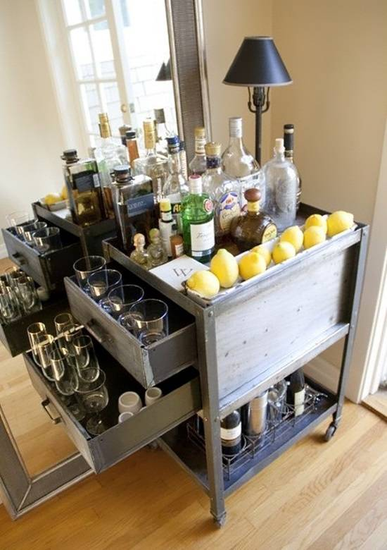 Домашний бар на колесиках