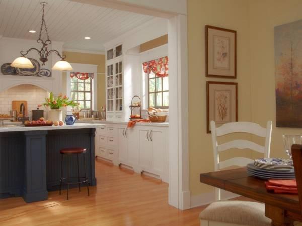 Роскошная и уютная деревенская кухня