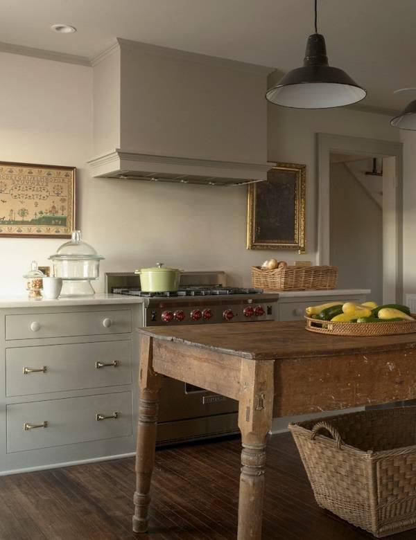 Простая кухня в деревенском стиле