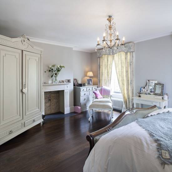 Шкаф для спальни в классическом стиле