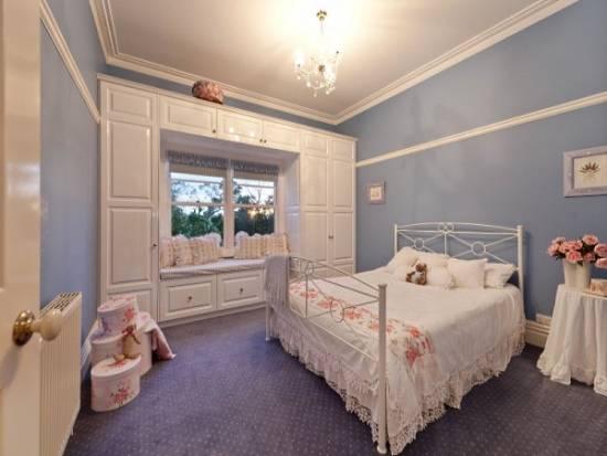 Мебель и декор для спальни в стиле прованс