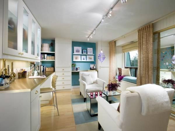 Спот-система в дизайне гостиной