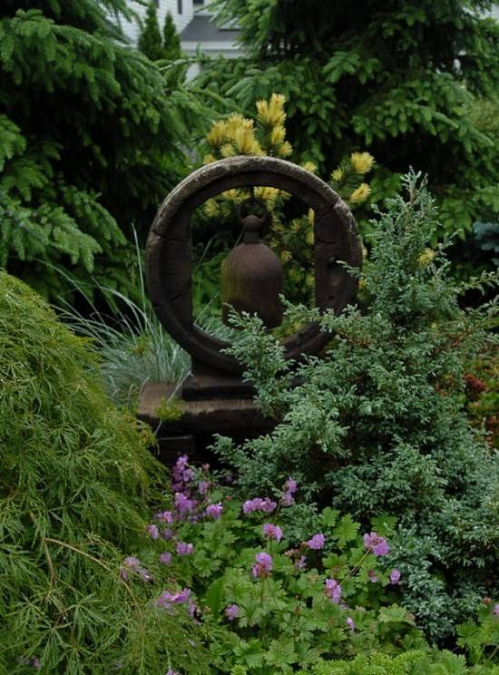 Украшение дворика и сада старыми вещами
