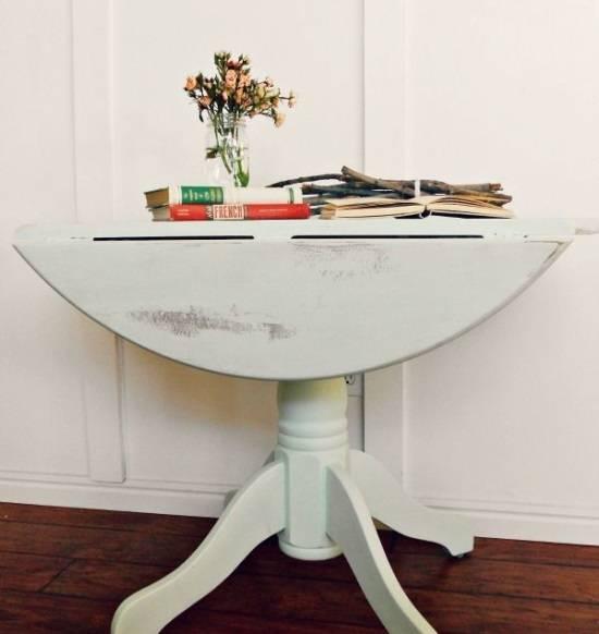 stolik-v-starinom-stile