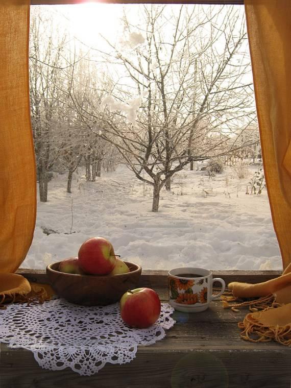 ukrashenie-okna-v-derevenskom-stile