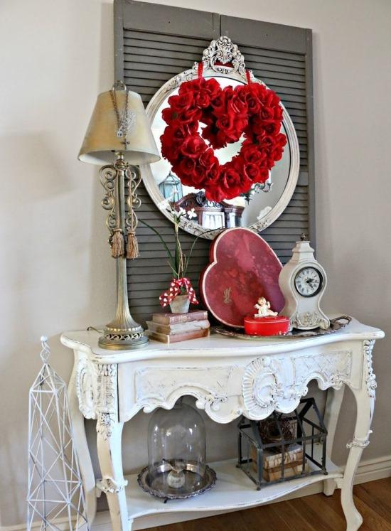 Украшение столика ко Дню святого Валентина