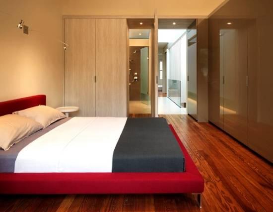 Встроенные шкафы в дизайне спальни