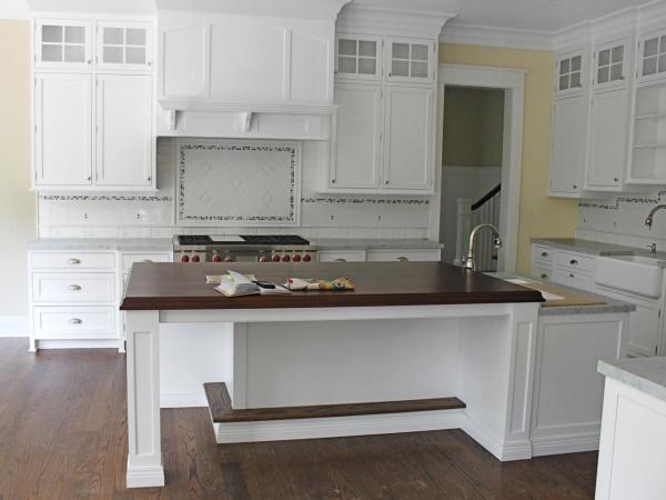Красивый кухонный фартук из плитки