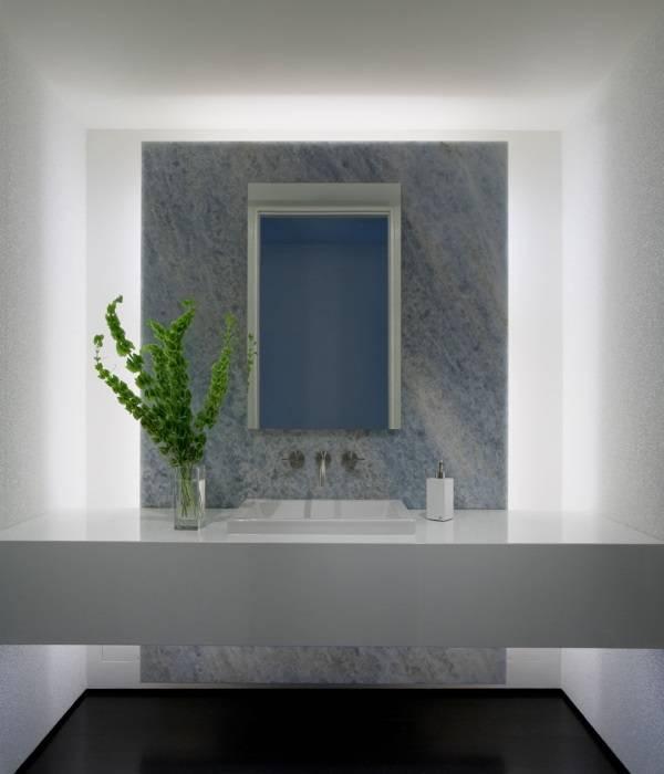 Задняя подсветка в ванной комнате