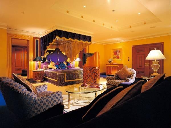 Роскошная спальня в восточном стиле