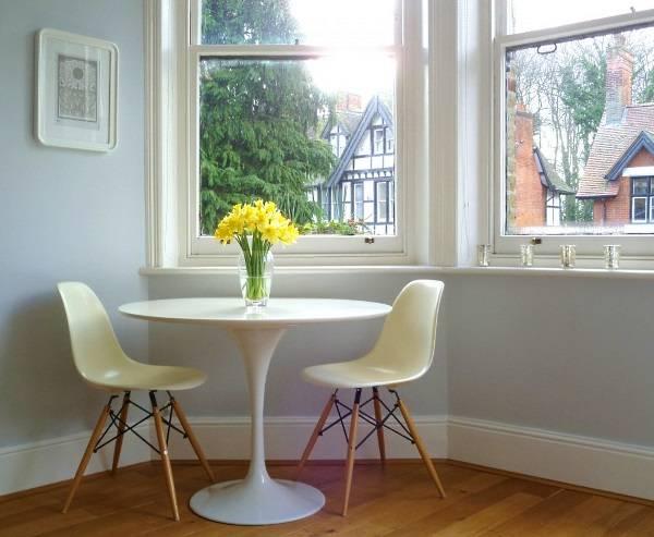 Культовый белый стол Saarinen Tulip