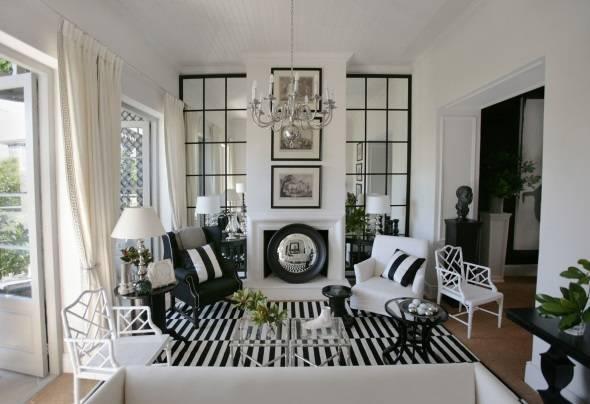 Черно-белый и полосатый дизайн гостиной