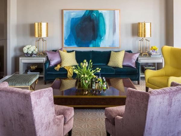 Дизайн гостиной: сочетание роскошных оттенков и золота