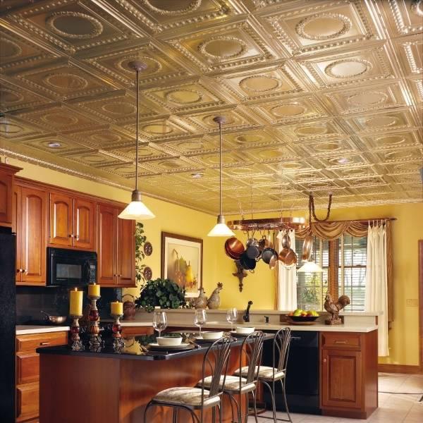 Потолок с плиткой на кухне