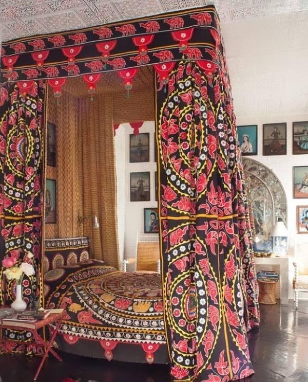Индийские узоры в дизайне спальни