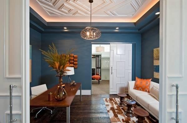 Потолок с бордюрами и подсветкой