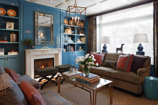 Мебель и декор цвета индиго в дизайне гостиной