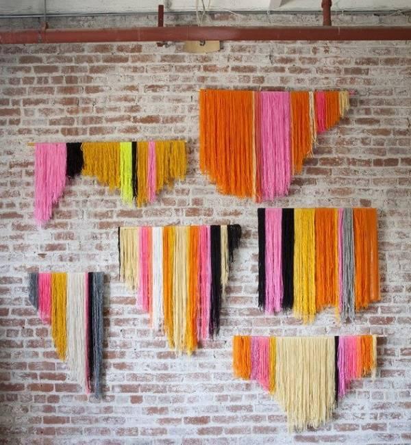 Украшение стены поделками из ниток