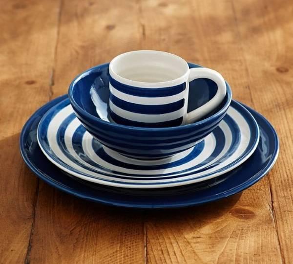 Синяя посуда от Pottery Barn