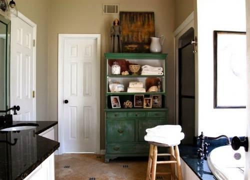 Шкаф для ванной из старой мебели