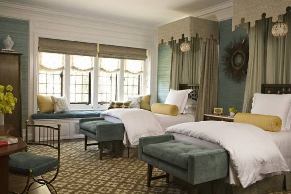 Красивый дизайн спальни с двумя кроватями