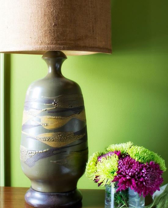 Лампа на керамической ножке