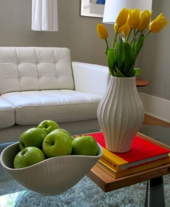 Скульптурные вазы для цветов и фруктов