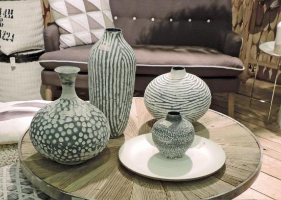 Матовые вазы с текстурным узором
